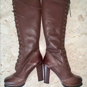 NEW! Ladies brown lace-front Boots 👢
